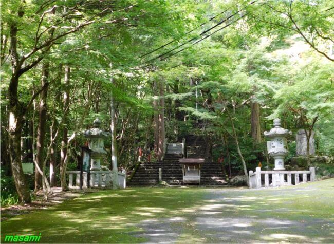 大矢田神社もみじ谷 美濃市 太鼓橋(神橋) 百度石 石段